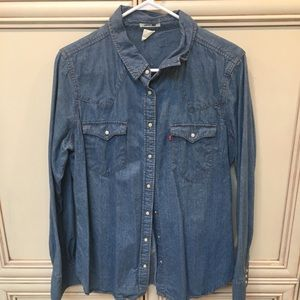 XL Levi's jean shirt w/pearl snap buttons